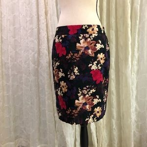Loft Pencil Skirt 🌺